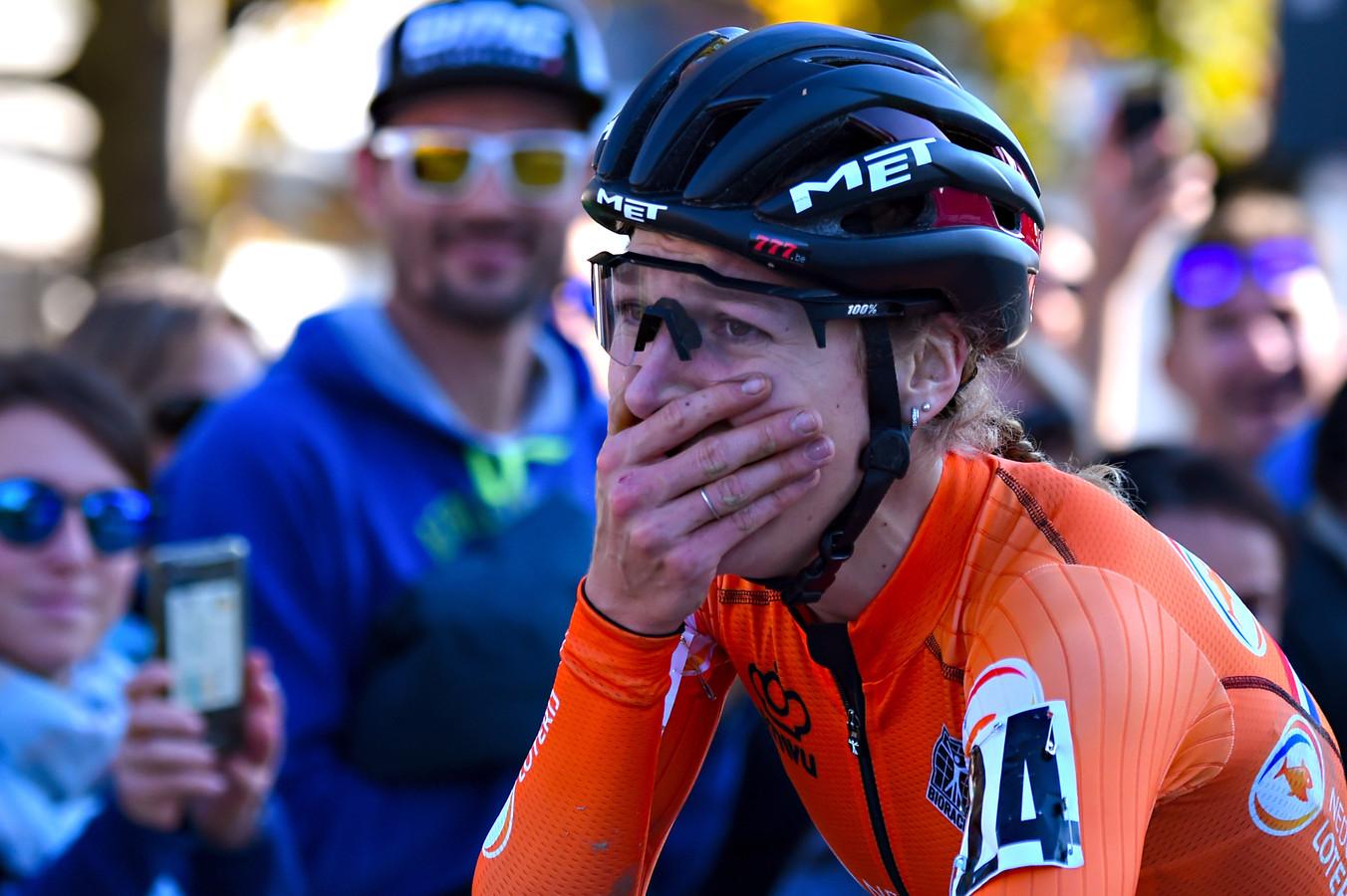 Yara Kastelijn tijdens de laatste editie van het EK veldrijden.