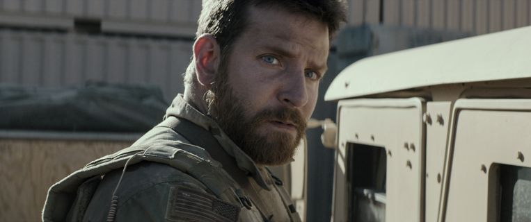 Bradley Cooper in American Sniper. Beeld Warner Bros Picture