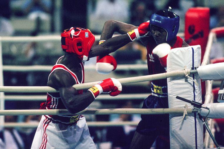In Seoul 1988 zorgde Regilio Tuur voor de meeste opwinding door in de eerste ronde de Amerikaanse wereldkampioen Kelcie Banks knock-out te slaan. Beeld  Leo Vogelzang / Hollandse Hoogte