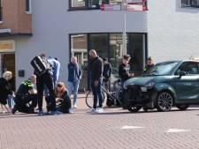 Brommobiel knalt frontaal op scooterrijdster op kruispunt in Apeldoorn