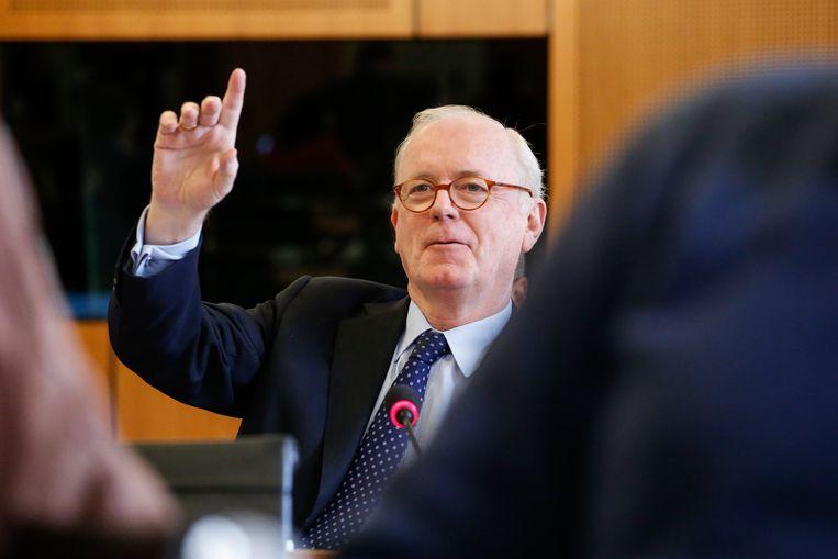 Mogelijk komt ook de parlementaire onschendbaarheid van Armand De Decker in het gedrang. Beeld BELGA