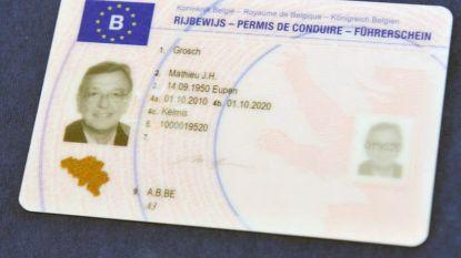 Federaal minister van Mobiliteit Bellot (MR) begraaft rijbewijs met punten, Weyts hekelt bochtenwerk