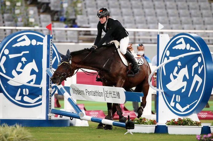 Aux JO, Annika Schleu, en tête du classement avant l'épreuve d'équitation, a eu toutes les peines du monde à maîtriser son cheval, lui donnant de nombreux coups.