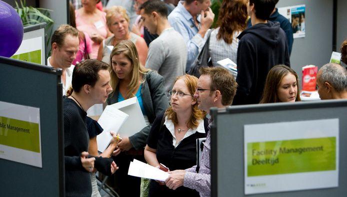 Foto ter illustratie. Een voorlichtingsdag voor aanstaande studenten op de Haagse Hogeschool in Den Haag.