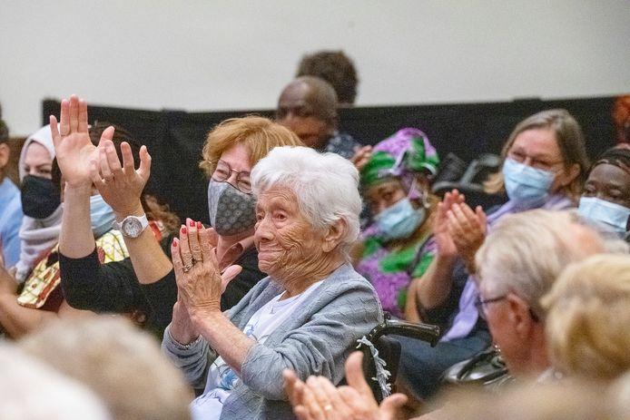 Er was veel volk aanwezig bij de opening van ontmoetingscentrum Tutti.