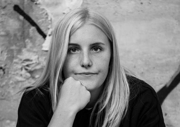 Voormalig postbode Amelie Albrecht won in 2018 Humo's Comedy Cup.