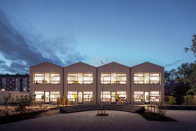 Basisschool Veerkracht in Amsterdam Slotermeer, ontworpen door architect Ard Hoksbergen. Beeld Milad Pallesh