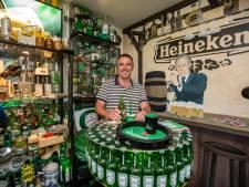 Heineken Henk uit Maasdijk heeft 6000 Heineken-items: 'Meer mag niet van mijn vrouw'