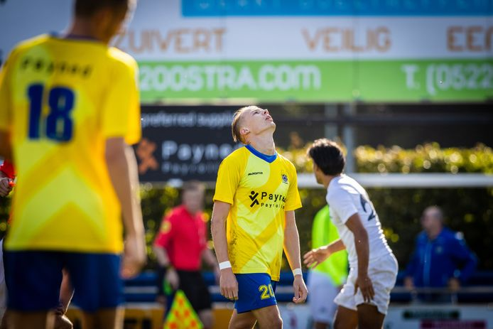 Juichen en balen - zoals bij Mike Reuvers van Staphorst - is er dit seizoen niet meer bij in het amateurvoetbal.