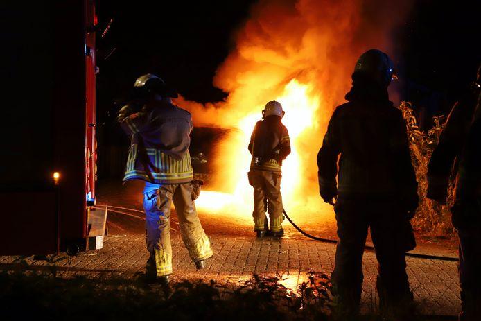 Autobrand aan de Beltweg in Kampen.
