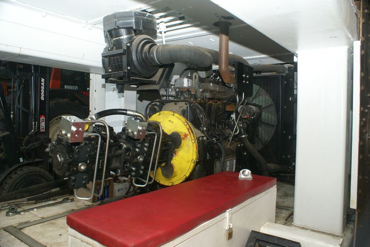 Een blik in de machinekamer, het hart van de tank, dat het gevaarte van 26 ton moet aandrijven.