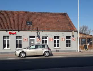 Politie betrapt 9 klanten en uitbater in Bouwels café