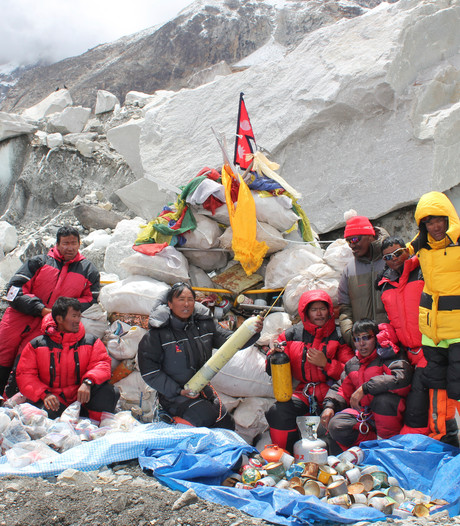 Vuilnisbelt op Mount Everest aangepakt