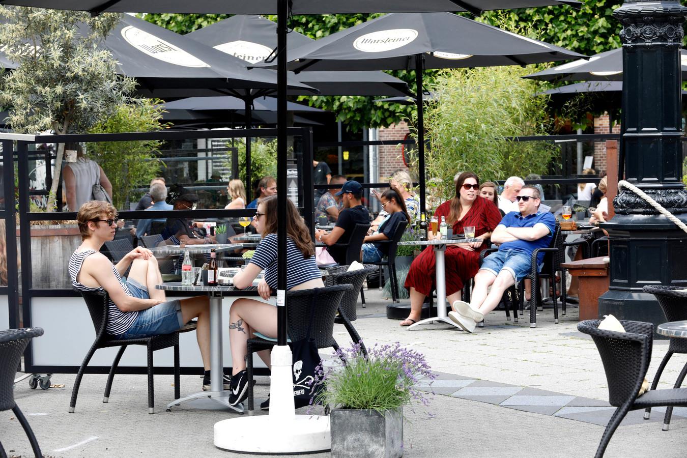 Het terras op de Markt in Wijchen was vorig jaar een groot succes.