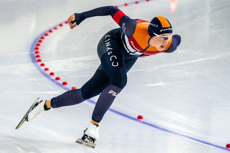 Suzanne Schulting reed een persoonlijk record op de 500 meter van zaterdag (38,57) en scherpte dat zondag aan tot 38,35.  Beeld BSR Agency