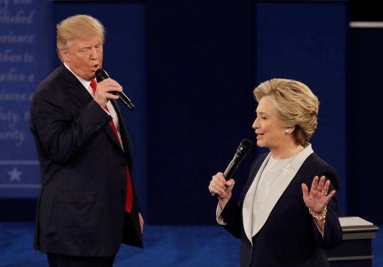 Donald Trump klopte vier jaar geleden Hillary Clinton met bijna drie miljoen stemmen minder achter zijn naam. Beeld AP