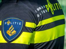 Man (42) vernielt hekwerk vliegbasis Leeuwarden om '5G-netwerkpalen te kunnen verwijderen'