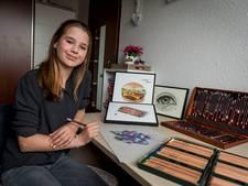 Valerie (13) uit Oldenzaal scoort met 'hyperrealistische' tekeningen