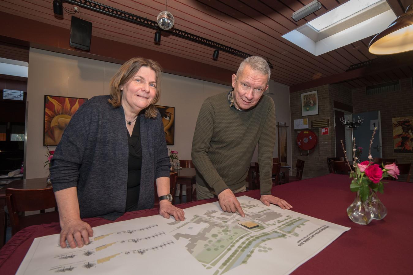 Carla Venema van Zorgdat en Hans Alfons van De Roef hebben elkaar, met huisarts Annelies van het Hulst, gevonden in het idee van een geheel nieuw positief gezondheidscentrum. Uniek in de wereld, glundert Alfons.