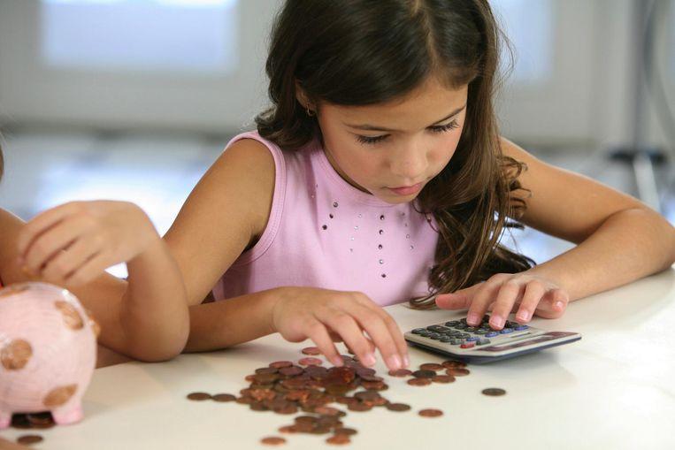 Kinderen moet zélf, zonder hun ouders, aanspraak kunnen maken op geld dat voor hen bedoeld is, zegt kinderrechtenorganisatie Save the Children. Beeld thinkstock