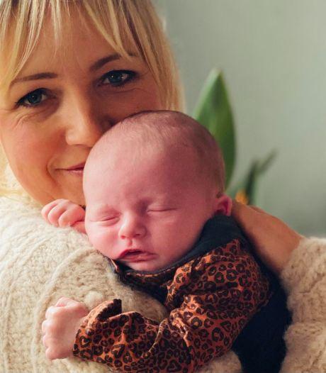 Yvon kondigt Boer zoekt Vrouw-babyspecial aan: 'Ik voel me iedere keer een beetje tante'