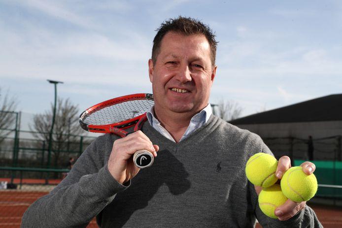 Philip Desoete is reeds een vijftal jaar gewestelijk voorzitter van Tennis Vlaanderen.