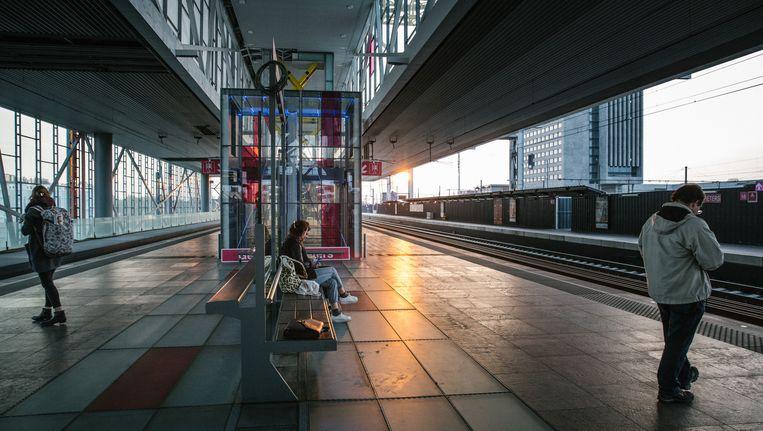 Station zonder treinen: Gent-Sint-Pieters vorige week. De ruzies binnen de politiek en de aanhoudende stakingen geven veel burgers het gevoel dat ze in de steek gelaten worden. Beeld Wouter Van Vooren