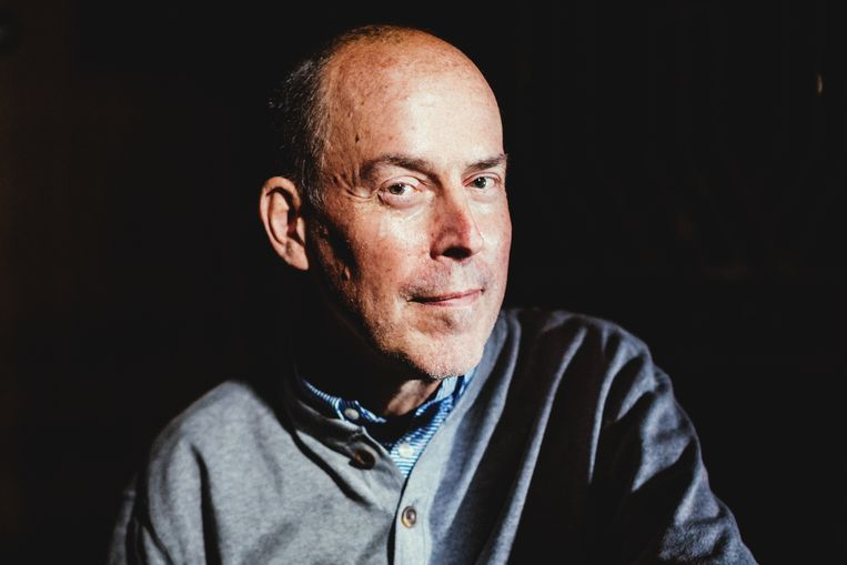 Bart Stouten, voormalig radioproducent/presentator bij Klara, laat een grote leegte achter in het leven van Stijn De Paepe. Beeld Stefaan Temmerman