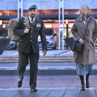 Marco Kroon met kikkerpak naar de rechter om aan te tonen dat hij geen potloodventer is