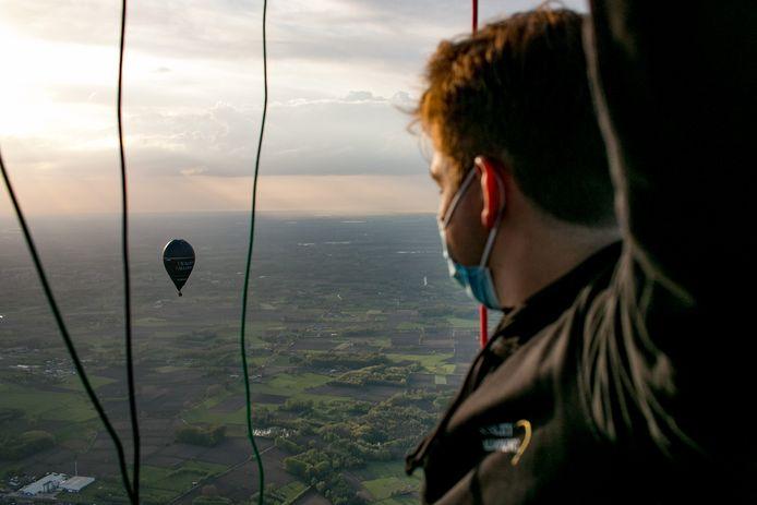 Ze hebben er lang op moeten wachten, maar nu kunnen ook de ballonvaarders weer met passagiers de lucht in.