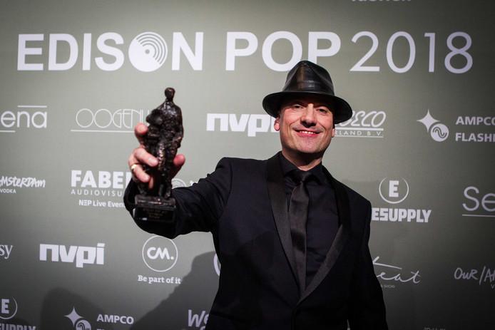 Tekstschrijver en rapper Extince (Peter Kops) wint de Edison Oeuvreprijs. ANP KIPPA PAUL BERGEN