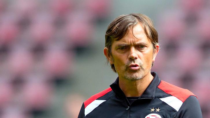 Cocu ziet 'moeten in plaats van mogen' bij PSV