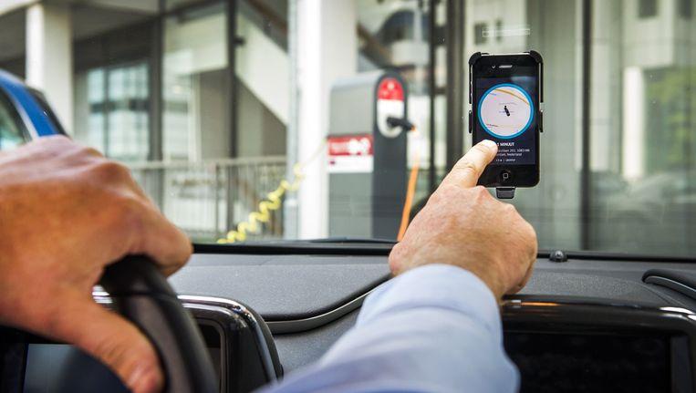 Volgens de directeur van Uber in de Benelux is een rit met UberX in doorsnee 35 procent goedkoper dan een rit met een normale taxi. Beeld ANP
