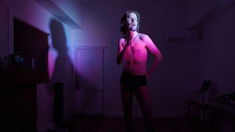 Bo Burnham in 'Inside'. Beeld Netflix