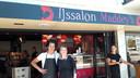 De bakkerij van Jan en Sofie Nagelkerke in Halsteren is open van dinsdag tot en met zaterdag. De bijbehorende ijssalon Maddey's is bovendien op zondag en maandag open.