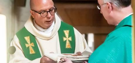 Van der Laer geinstalleerd als pastoor Lambertuskerk