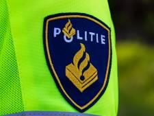 Man vernielt zes auto's bij station Cuijk, GGZ ingeschakeld