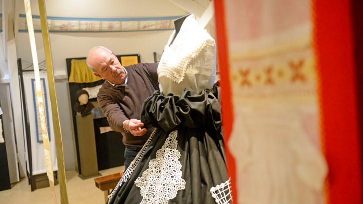 Naaldkunstexpositie in museum Eibergen: Deze technieken pasten meisjes vroeger toe