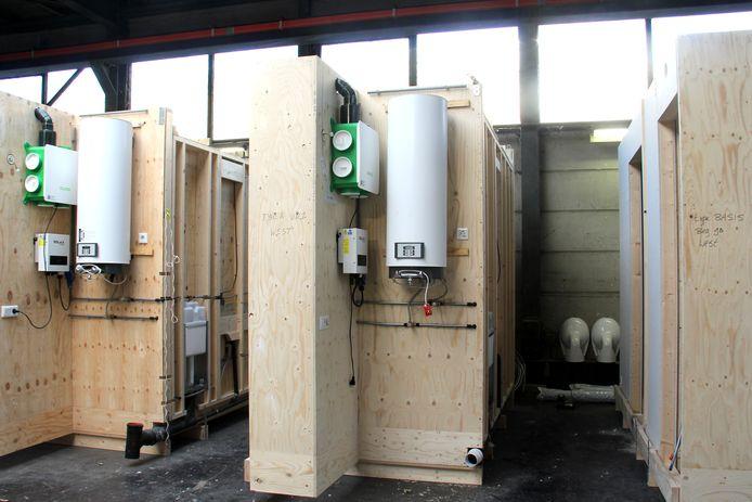 De houten flexwoningen van Sint Trudo, die aan de Quinten Matsyslaan in Eindhoven komen te staan, worden bij timmerfabriek Houkesloot (onderdeel van Friso Bouwgroep BV) in Sneek gebouwd.
