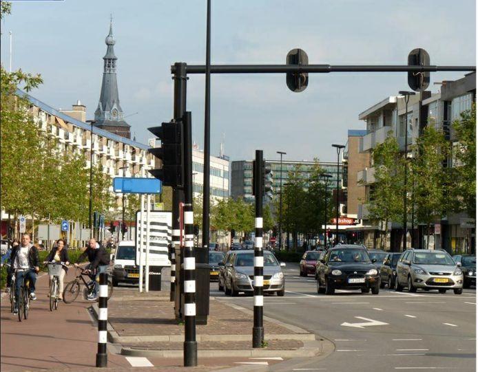 Er werd jaren over gepraat, het kwam er nooit van, maar door de coronacrisis gaat plotsklaps de snelheid op de Tilburgse cityring naar beneden. Waar 50 kilometer per uur mag worden gereden, geldt per 1 juni 30 kilometer per uur