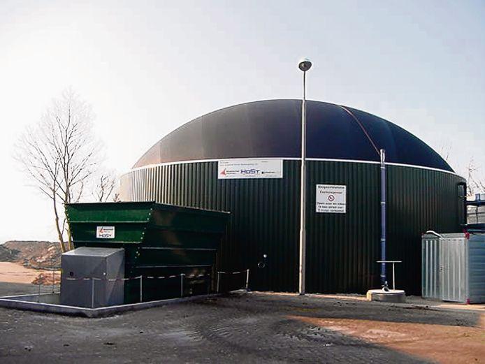 Voorbeeld van een mestvergister en biogasinstallatie.