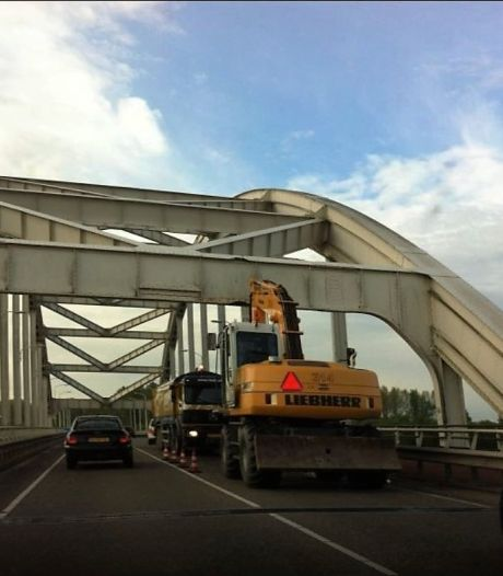 Hedelse brug bijna drie weken en een extra weekend dicht voor wegverkeer