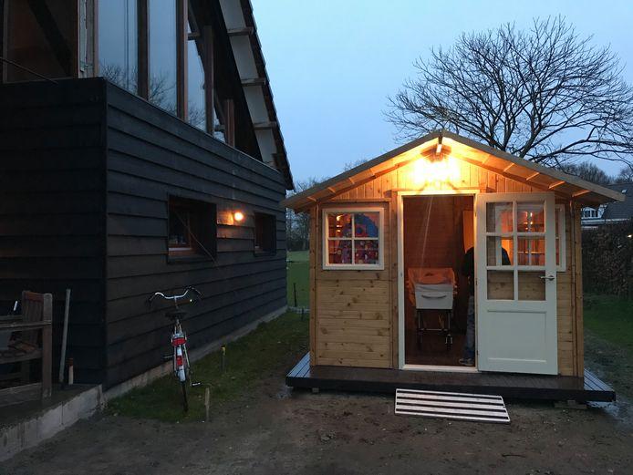 Het mobiele mortuarium dat Franca van den Kerkhof recent onder meer bij een uitvaart in Boekel inzette.