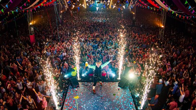 Foute oktoberfest en Snollebollekes live, 120.000 mensen vieren weer een feestje in Goffertpark en GelreDome