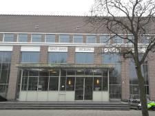 Docent Sint-Janslyceum Den Bosch weggestuurd vanwege 'grensoverschrijdende' appjes
