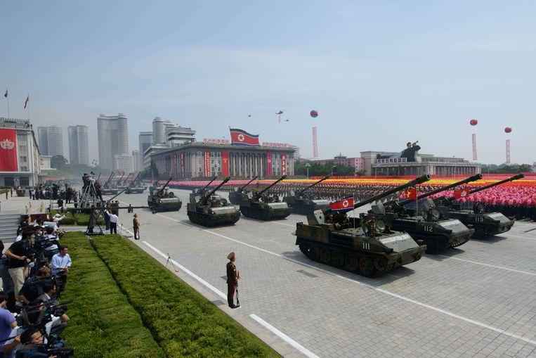 Duizenden soldaten namen in juli 2013 deel aan een groot défilé om de 60ste verjaardag van de wapenstilstand tussen Noord- en Zuid-Korea te vieren. Beeld ANP