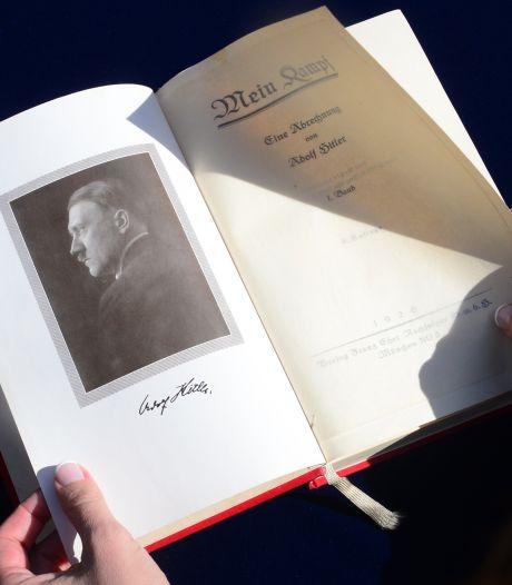 """Un exemplaire de """"Mein Kampf"""" retiré d'une vente aux enchères en France"""
