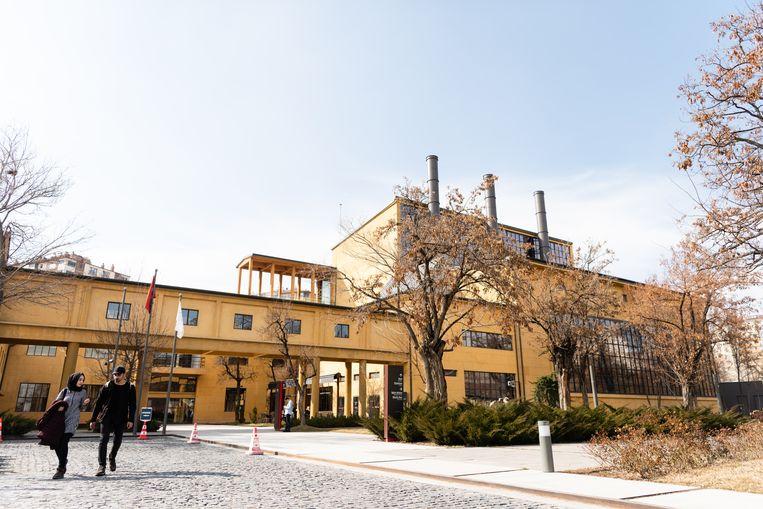 President A. Gül-museum in een voormalige katoenfabriek. Beeld Katja Poelwijk
