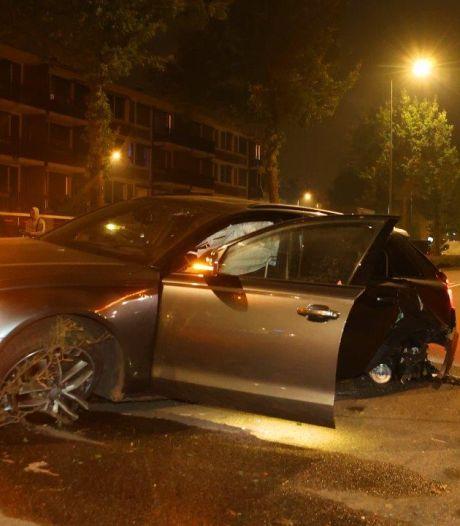 Bestuurder dure Audi vlucht na botsing in Den Bosch