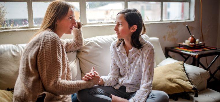 """Dochter Joy (15) tegen moeder Maartje (48): """"Het ligt aan jou, mam! Jij hebt me in de steek gelaten"""""""